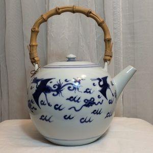 2/$20 VTG Blue & White Chinese Tea Pot Wood Handle